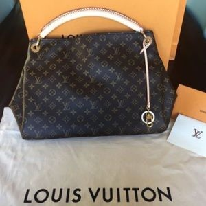 🔥LOUIS VUITTON ARTSY🔥